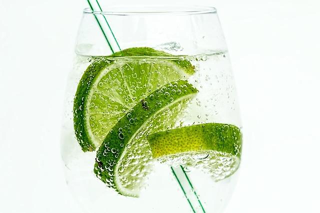 炭酸水を自作する方法