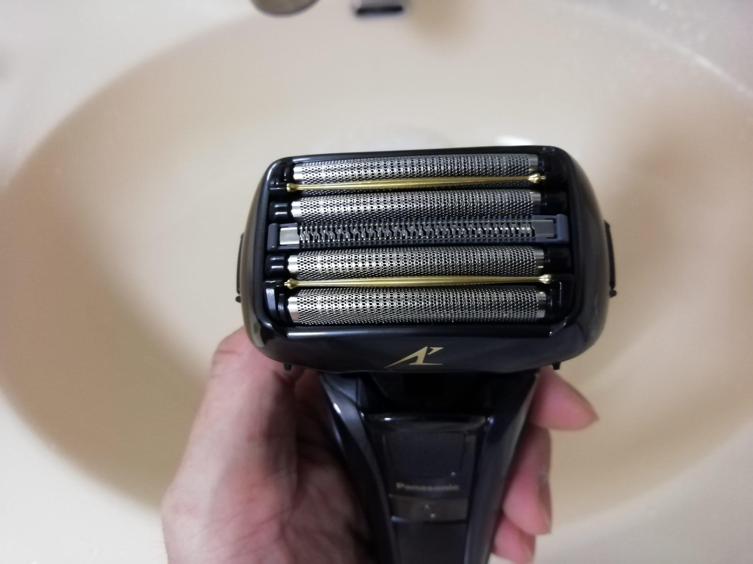 Panasonicの電気髭剃り「ES-ELV7E」は5枚刃